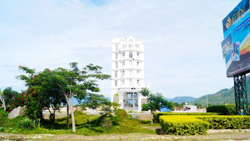 Biệt thự khách sạn 7 tầng tại Golden bay Cam Ranh